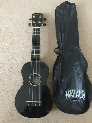 Mahalo Ukulele Black With Matching Case unwanted gift and new condition