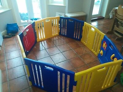 8 part plastic play pen for indoors or outdoors