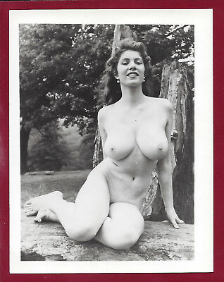 1950's Vintage Nude Photo~Mega Busty Big Boobs Nudist Pinup Outside~Candy Belle