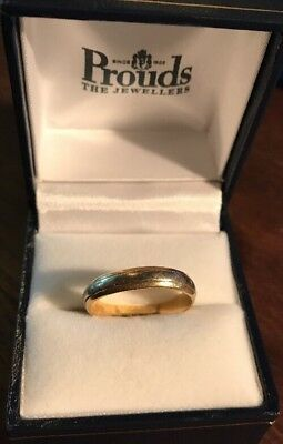 18ct Yellow Gold, Two Toned Bridal Wedding Band. Size 9.