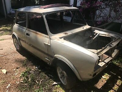 Mini 1275 Ls Rolling Body Shell 1978  With Id Tag Needs Total Restoration
