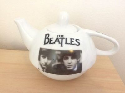 THE BEATLES PORCELAIN SIGNATURE TEAPOT English made by Gibson COLLECTABLE paul