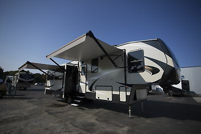 Blowout Clearance 2018 Cougar 369Bhs Fifth Wheel Bunkhouse Kitchen Island Camper