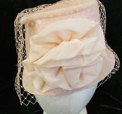 Wonderful Vintage Pale Pink Flower Lace Gross Grain Girl PIll Box Hat Dress up