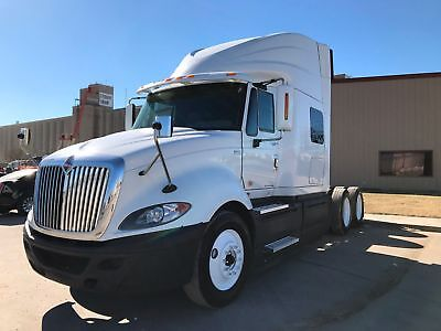 International Prostar Sleeper Tractor Truck 10 Speed 475 Hp Low Miles 2013 2014