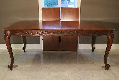 Vintage Heirloom Quality French Traditional Dining Table + 2 leaves