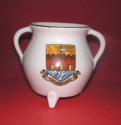 Goss Crested China St Albans Cooking Pot Trowbridge Crest