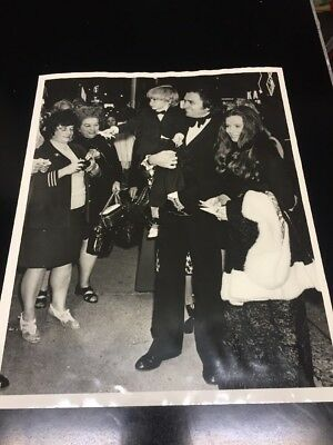 Johnny Cash June Carter Original  1972 Newspaper Photo With Article