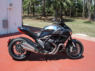 2013 Ducati Sport Touring  FLORIDA, DIAVEL CROMO CARBON FIBER, DEALER SERVICED, AWESOME BIKE