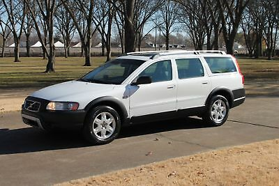 2005 Volvo XC70 Cross Country Wagon MSRP $43220 Perfect Carfax Moonroof Leather Seats New Michelin Tires  MSRP New $43220