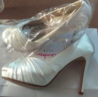 Pair of Women's Satin Wedding Shoes Size 6.5 (Brand New in Box)