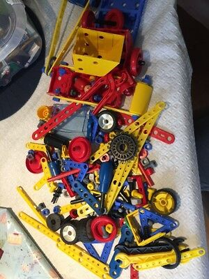 MECCANO JUNIOR SET - USED/MIXED PIECES Approx 1.1kgs