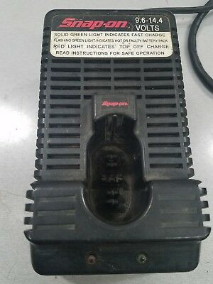 Snap On CTC300 9.6V - 14.4V charger for battery tools good