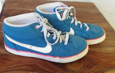 Nike Sneakers Girls High Top Size US 2.5Y EUR 34 UK 2 Pale Blue White and Pink