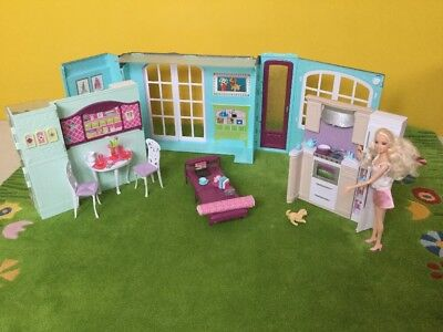 barbie haus klappbar transportabel picclick de. Black Bedroom Furniture Sets. Home Design Ideas