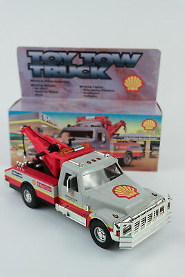 SHELL 1997 5th IN A SERIES TOY TOW TRUCK  MINT IN BOX