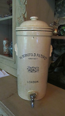 Antique rare Berkefeld filter British, grand filtre a eau en céramique vintage.
