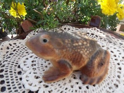 Vintage Ceramic Pottery Frog Figurine Garden Decor or Interior VERY REALISTIC!