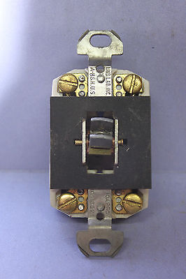Vintage Arrow-H&H Porcelain Double-Pole Toggle Switch DPST - 10A @ 125V - TESTED