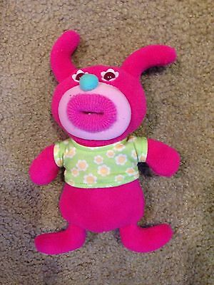 2010 Fisher Price SING A MA JIG PINK Sings A TISKET A TASKET Working Bright Pink