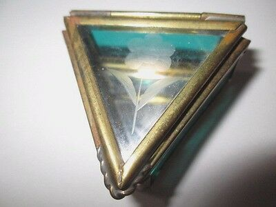 Green Glass With Etched Rose Ring Box Brass Triangle Shape Vintage 1970's Mexico