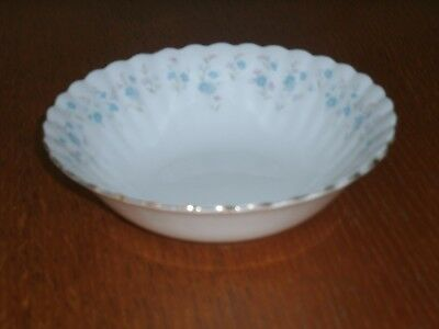 "6 x ""Royal Albert"" 6-1/4 inch Bone China Soup Bowl's ""Memory Lane"""