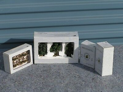 Boyd's Bearly Built Village Series....Four (4) pieces