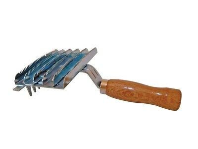 Partrade Zinc Plated Curry Comb with Teeth 6 Bar for Horse Grooming