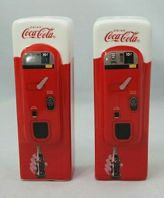 Coca Cola Vintage Vending Machine Ceramic Salt & Pepper Shakers Red White Gift