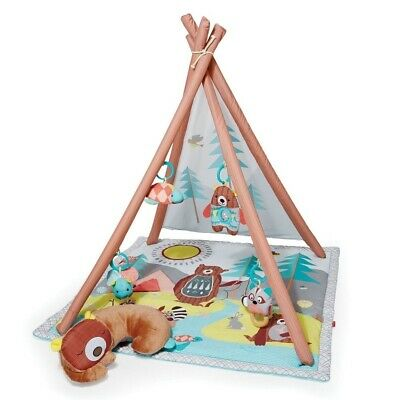 Skip Hop Skip Hop Camping Cubs Gym.Four ways to play: Overhead play, tummy time,