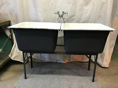 Double Bains Porcelain Cast Iron Workshop School Farmhouse Factory Sink