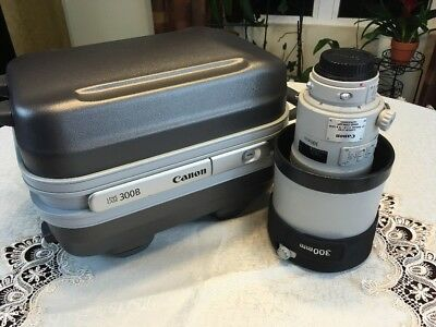 Canon EF 300mm f2.8 L IS II USM Lens 300/2.8 With Case