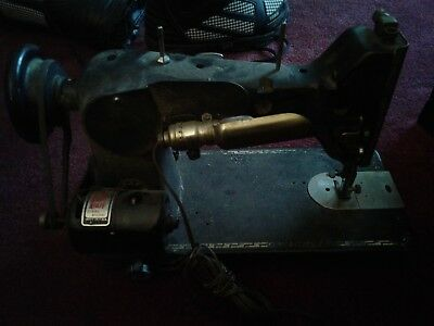 Vintage Antique PFAFF 130 Heavy Duty Black Sewing Machine Germany USA