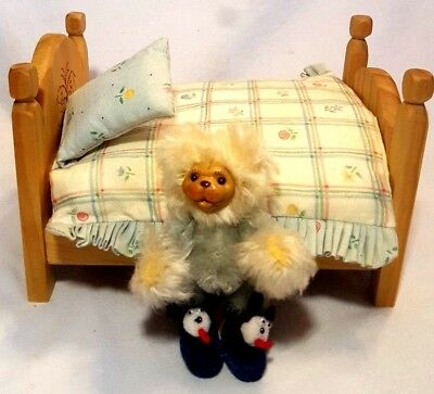 Robert Raikes Wooden Face Baby Bear Jamie and Bed w/ Bedding and Pillow  456/650