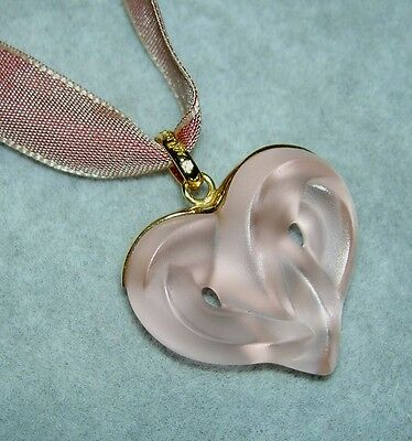 LALIQUE Satin Pink Entwined Heart Crystal Pendant Necklace New in Pouch & Box
