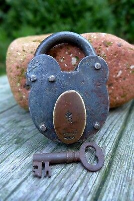 Antique Vintage Padlock with one key, working order, hobby, collector 06-01