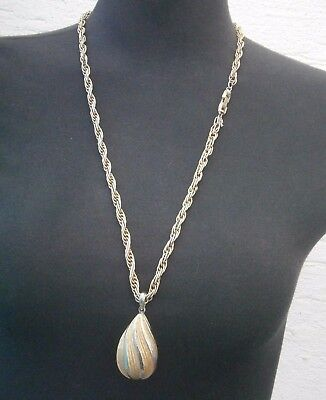 AC724) Vintage gold tone signed Trifari large teardrop pendant chain necklace