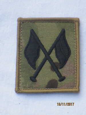 Signaller,Fabric Badges Black / MTP,Crossed Flags,Touch Fastener,Back,Multicam