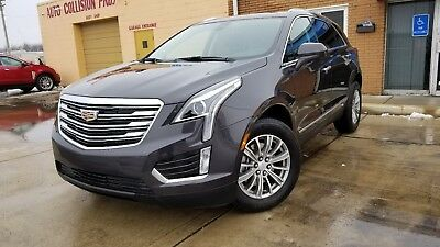 2017 Cadillac XT5 Luxury 2017 Cadillac XT5 Luxury package in mint condition only 3K miles rebuilt title !