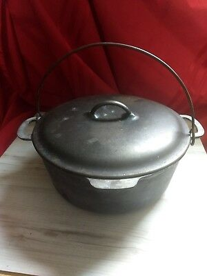 Old Vintage No. 8 Cast Iron Dutch Oven w Lid Home Kitchen Cookware Camping Tool