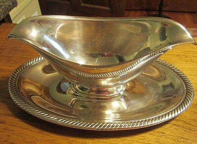 Vintage International Silver Co Castleton Is Silverplate  Gravy Dish #683
