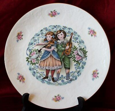 "ROYAL DOULTON 1981 Valentine Day plate ""MY VALENTINE"" 6th in series"