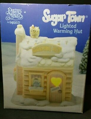 Sugar Town LIGHTED WARMING HUT Precious Moments MINT in BOX Gently Displayed