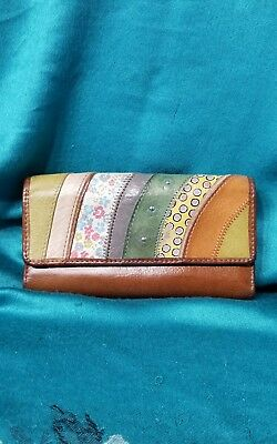 """FOSSIL Multi-Color Stripe Womens Leather Wallet Size 7 """" × 4 """""""