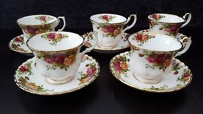 ROYAL ALBERT Bone China Old Country Roses. Trios of cup, saucer, teaplate  x 5