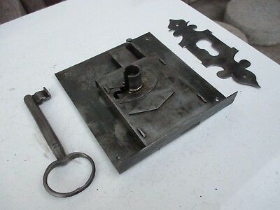 Antique in Iron Genuine Door Lock Key Locking Complete With Cover Plate Key Hole