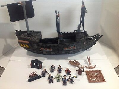Mega Bloks Pirates of the Caribbean Ship Parts and Pirates. Incomplete Set.