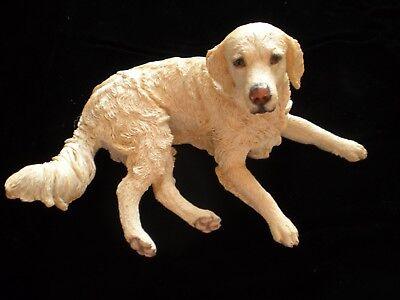 Life Like Yellow Labrador Retriever Lab Dog Figurine Beautifully Detailed 03959