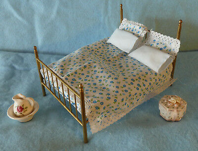 Dollhouse Miniatures - Brass Bed & Extras 1:12 Scale, Pretty!
