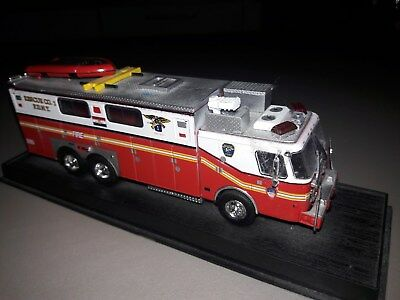 FDNY  Rescue Company Nr 1 New York City Fire Department USA  kein CODE 3 !